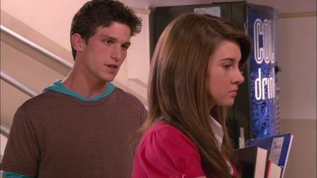 the-secret-life-of-the-american-teenager-vs-gossip-girl-cougar-teen-sex